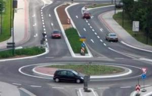 Порошенко подписал закон об изменениях в правилах дорожного движения